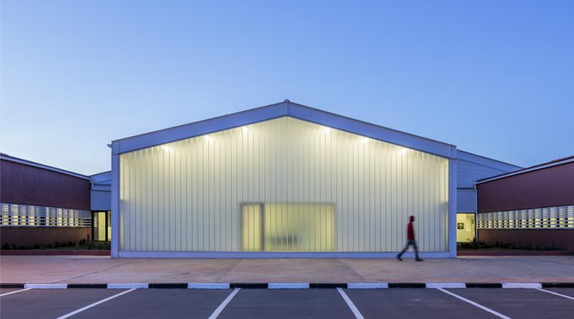 Hospital de menongue | Premis FAD 2018 | Arquitectura