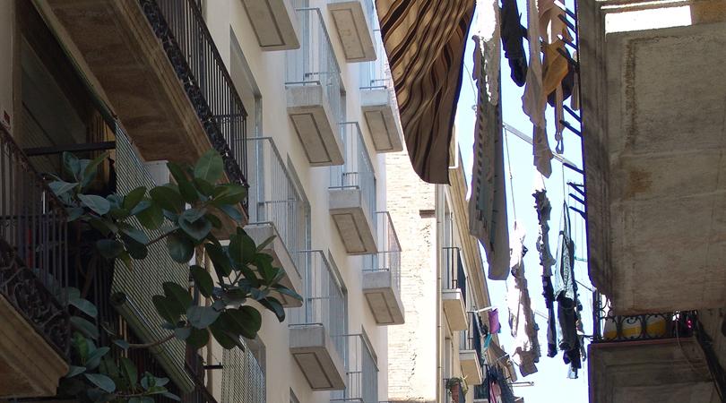 Edifici de 127 habitatges protegits, equipaments, locals i 78 places d'aparcament al raval de barcelona   Premis FAD 2011   Arquitectura