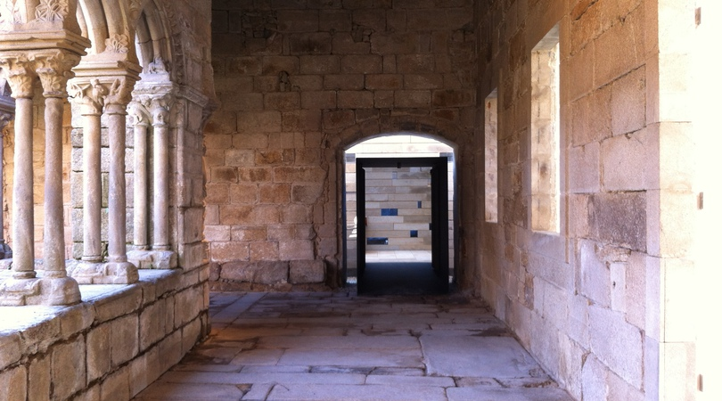 Acondicionamiento y acceso al claustro del antiguo convento de san francisco de ourense   Premis FAD 2013   Intervencions Efímeres