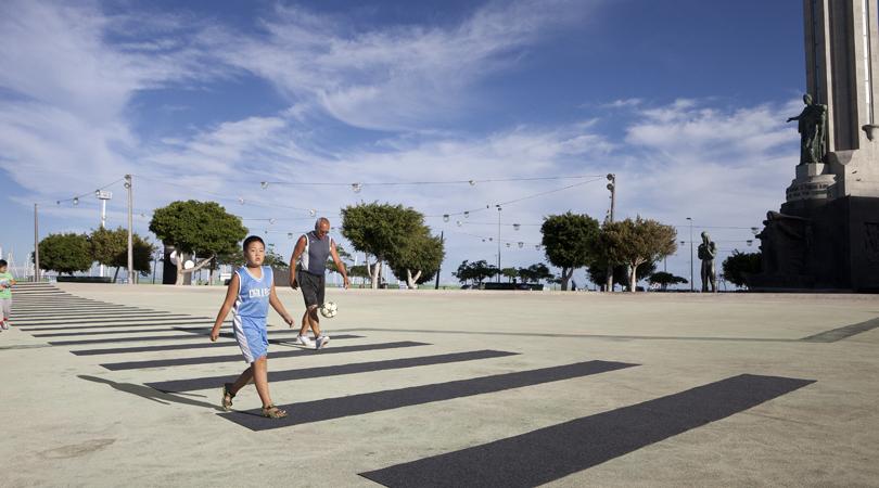 Crosswalk - cruzar el charco   Premis FAD 2014   Intervencions Efímeres