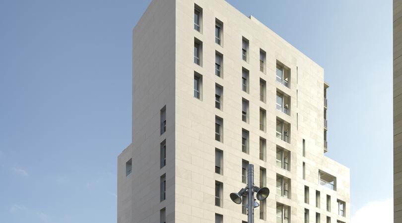 Complex residencial - comercial al centre de terrassa (96 habitatges)   Premis FAD 2010   Arquitectura