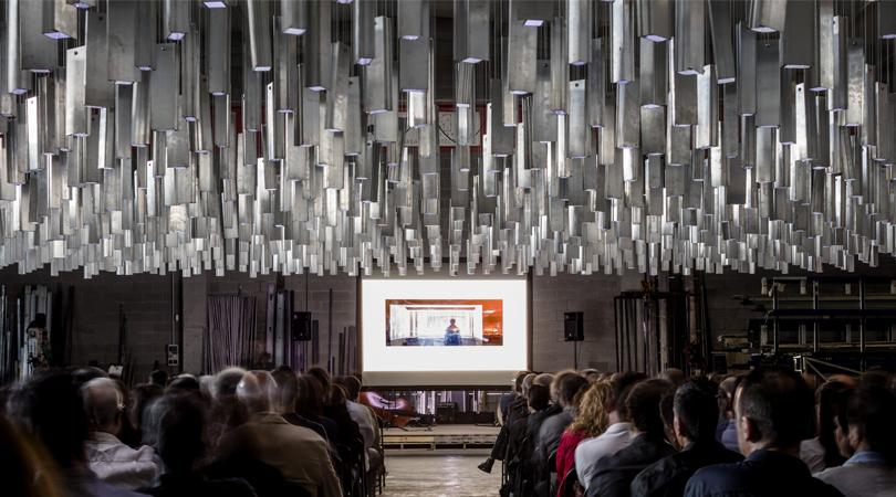 Catifa d'alumini 9x16m | Premis FAD 2017 | Intervencions Efímeres