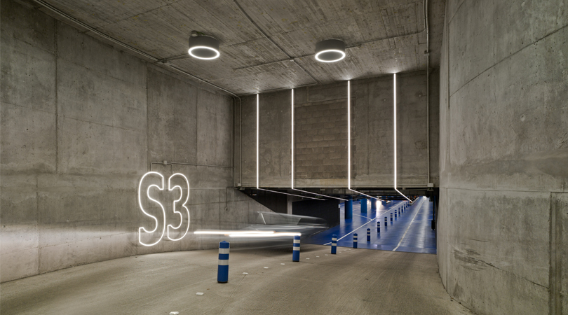Estelas de movimiento. parking sede bbva, la vela, madrid | Premis FAD 2018 | Interiorisme