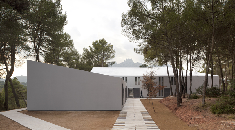 Casas de colonias viladoms. ong esplai | Premis FAD 2011 | Arquitectura