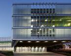 OFICINAS DEL INSTITUTO NACIONAL DE LA SEGURIDAD SOCIAL EN LA CARTUJA-GRANADA | Premis FAD  | Arquitectura