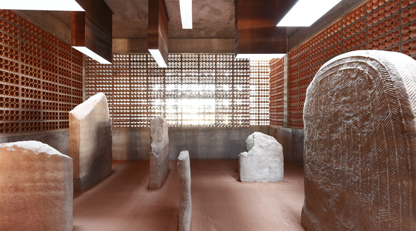 ESPAI TRANSMISSOR DEL TÚMUL/DOLMEN MEGALÍTIC DE L'ANY 2,800 A.C. A SERÓ-ARTESA DE SEGRE (LLEIDA) 2007-2012 | Premis FAD 2013 | Architecture