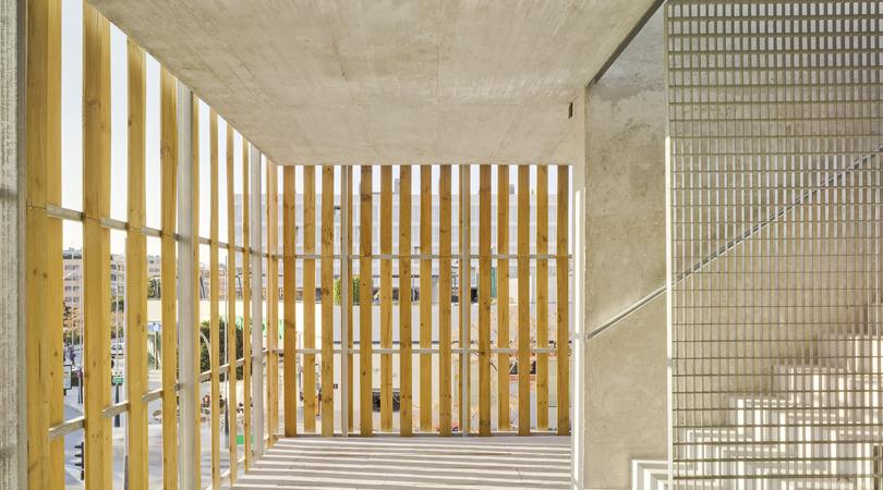 32 viviendas protegidas y locales comerciales | Premis FAD 2013 | Arquitectura