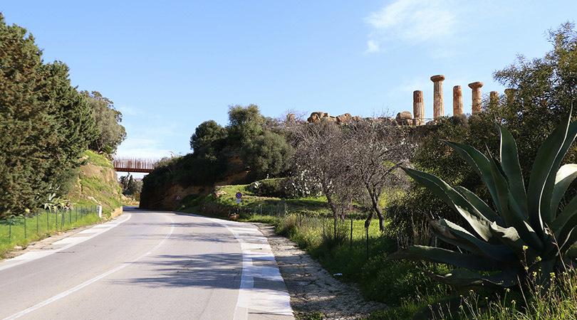 Passera de la vall dels temples d'agrigento. sicilia | Premis FAD 2016 | Ciutat i Paisatge