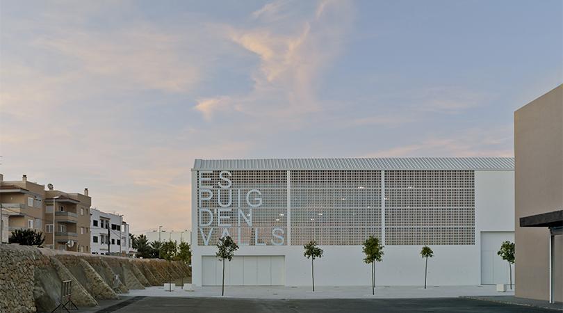 Centro deportivo es puig d'en valls, ibiza | Premis FAD 2019 | Arquitectura